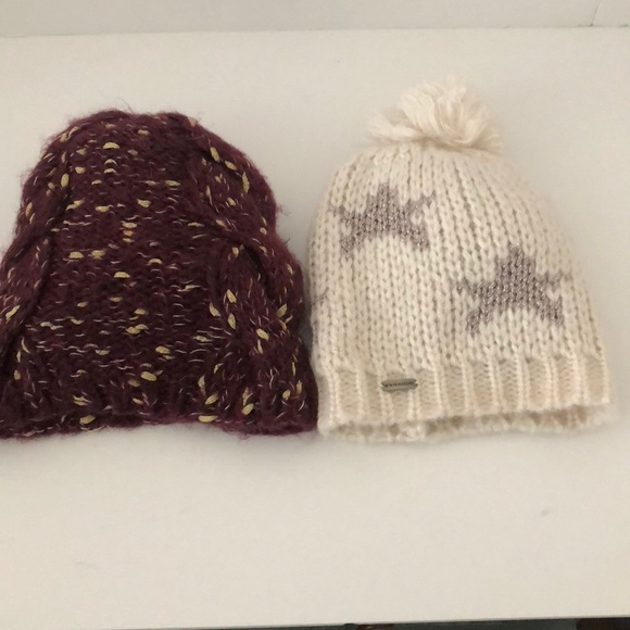 dfe956aab600f Accessories - Bundle of two winter hats